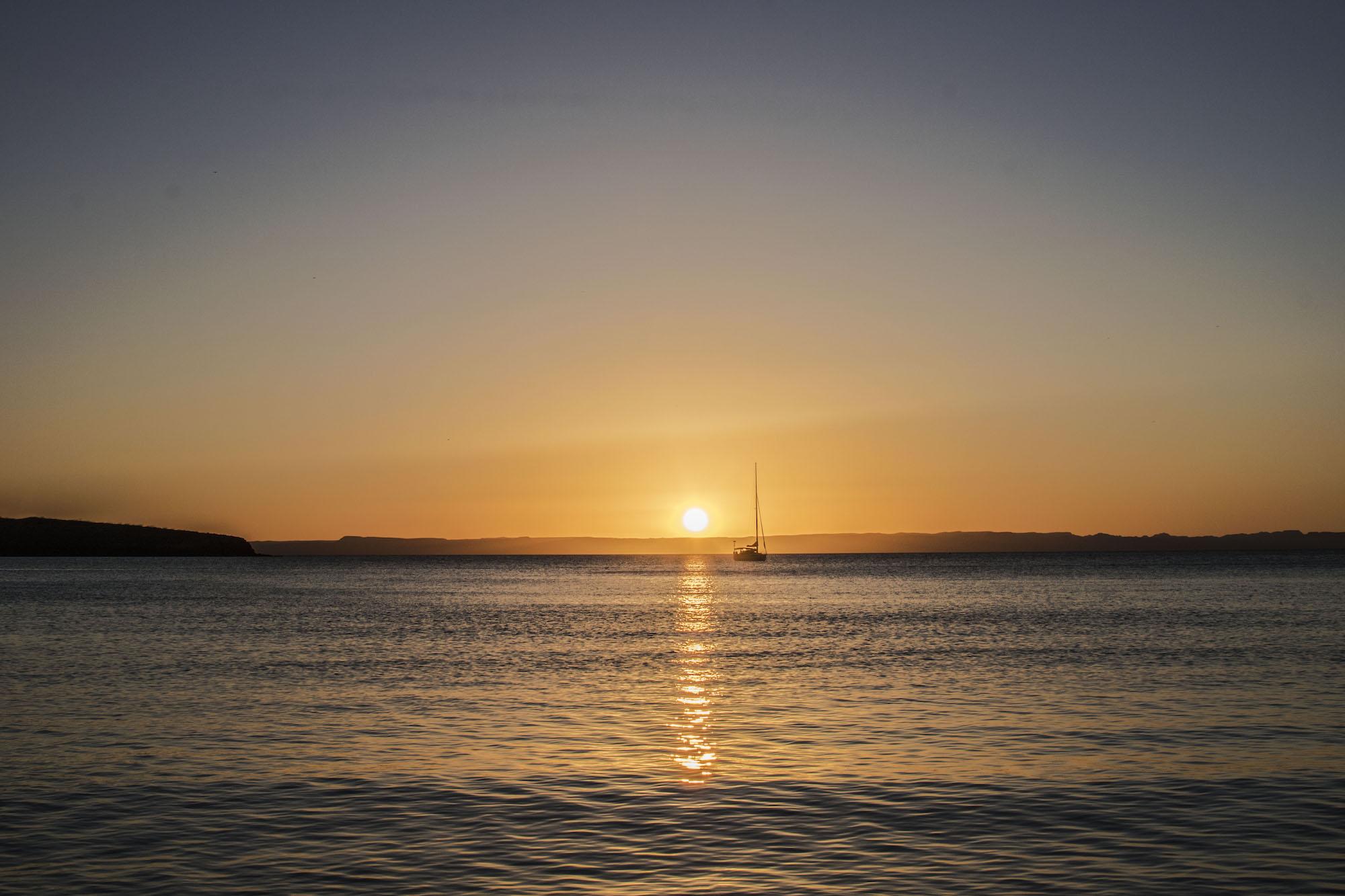 La Paz Sunset | Playa Belandra - Isla Espiritu | LovaLinda Photography