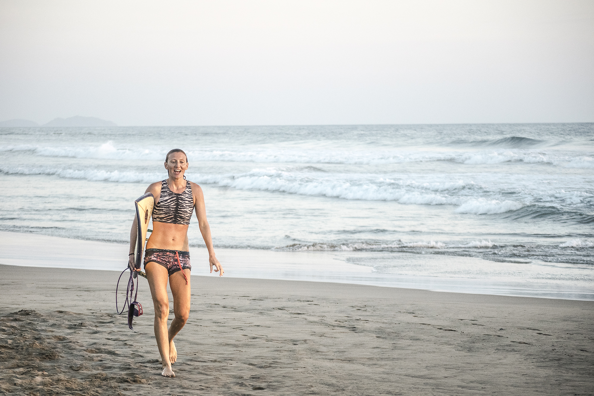 Susan Nelson | Surfer at Troncones Mexico | LovaLinda Photography